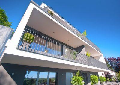 Fassade-moderner-Flachdach