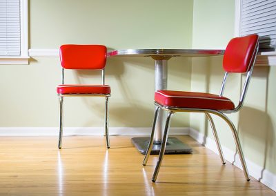Rote-Stühle